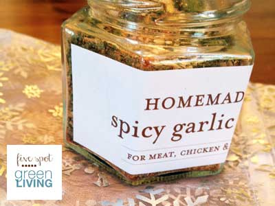 Homemade Christmas Gifts: Spicy Garlic Rub