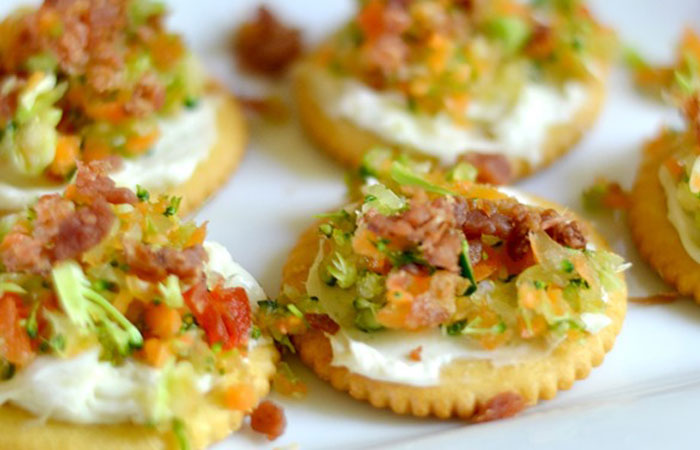 Garlic-Ranch-and-Veggie-Appetizer 30 Healthy Appetizers for Summer BBQs and July 4th