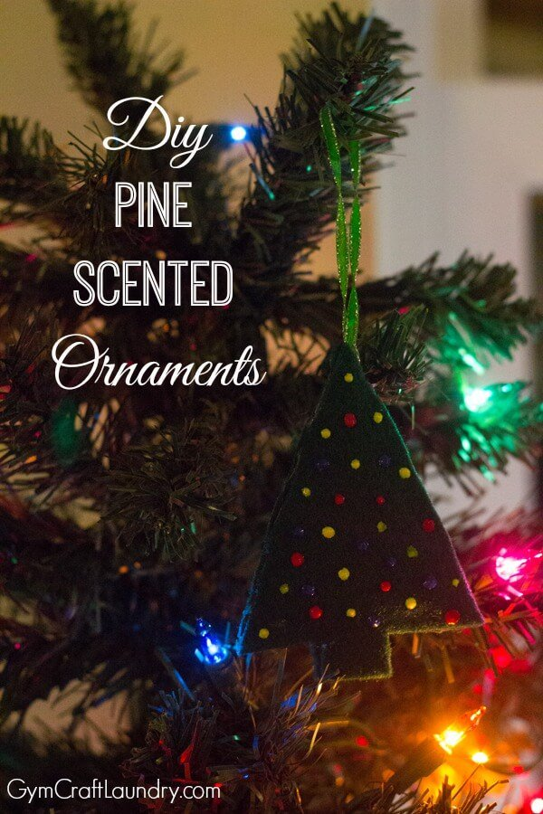 DIY Scented Christmas Tree Ornaments / Christmas Activities for Kids Plus Free Printable Calendar