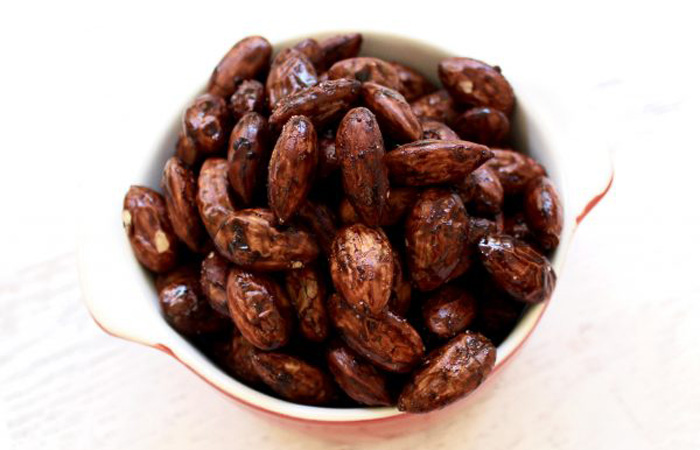 blog-cocoa-almonds 20 Healthy Appetizers for Thanksgiving
