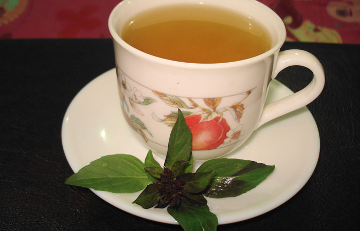 10 Indian Home Remedies for the Common Cold - Tulsi Tea