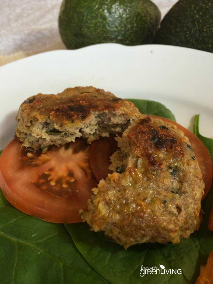 Turkey Burger Recipe with Spinach and Cheese