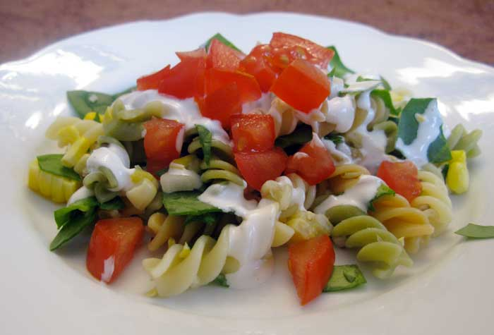 Healthy Recipes: Spinach Corn and Pasta Salad