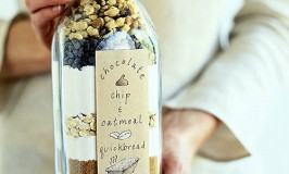 Chocolate Chip Oatmeal Bread in Jar - DIY Homemade Christmas Gift Ideas, Printables and Activities
