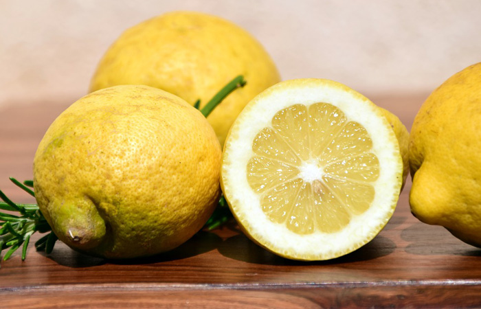 Easy Natural Detox with Lemon Essential Oil