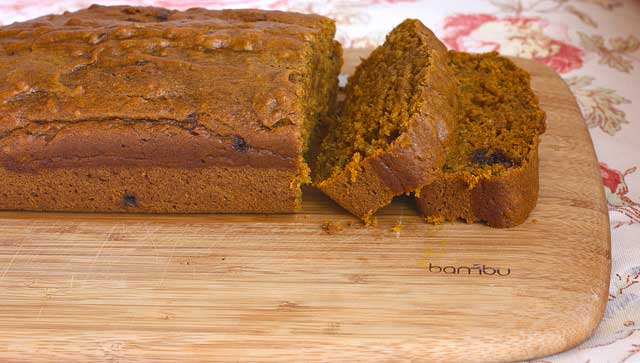 10 Days of Healthier Thanksgiving Recipes - Pumpkin Applesauce Spice Bread