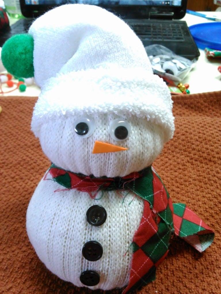 sock-snowman 20 Fun Winter Activities for Kids Plus Free Printable Calendar