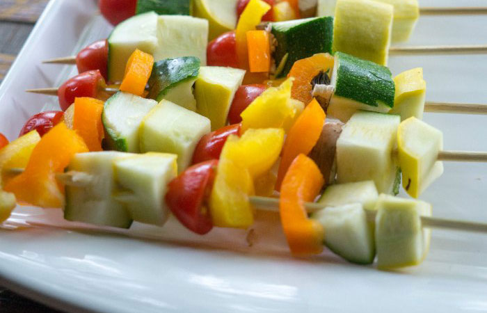 veggie-kabobs 30 Healthy Appetizers for Summer BBQs and July 4th