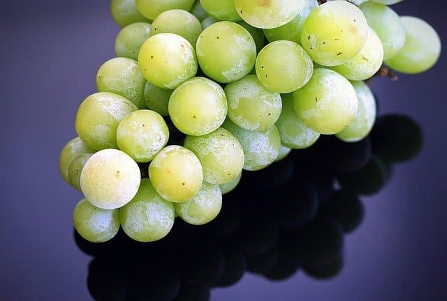 frozen grapes for healthy snack