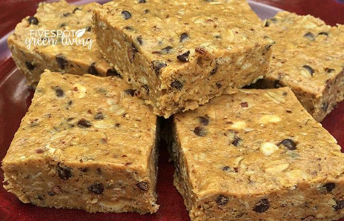 blog-energy-bites-closeup Crunchy No Bake Energy Bites Recipe