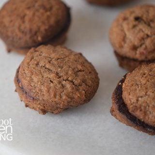 Healthy Honey Gingerbread Cookies