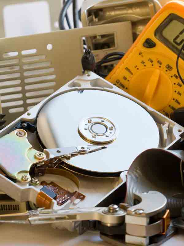 blog-electronics-to-get-rid-of 15 Things to Stop Buying to Declutter Your House