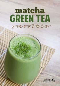 matcha green tea smoothie recipe in glass