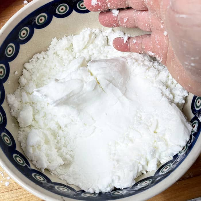 bath bombs eczema mixture forming in hand