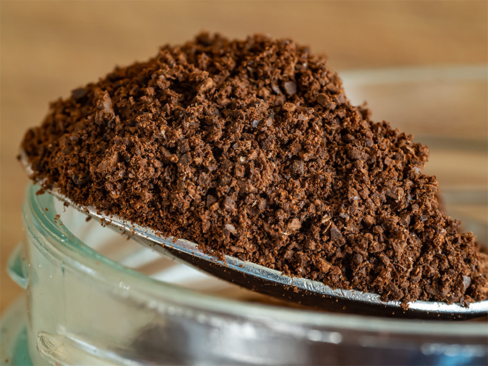 coffee grounds for itchy scalp